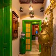 interiors-airbnb-yoga-design-studio